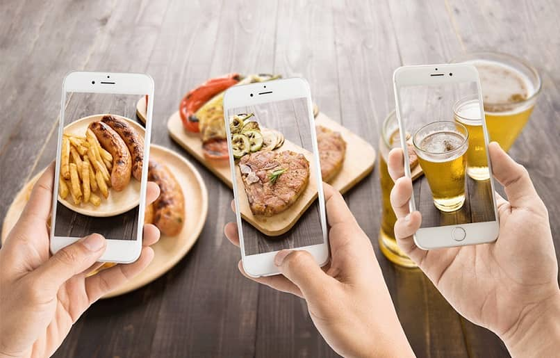 taking photos of your dishes share on social networks