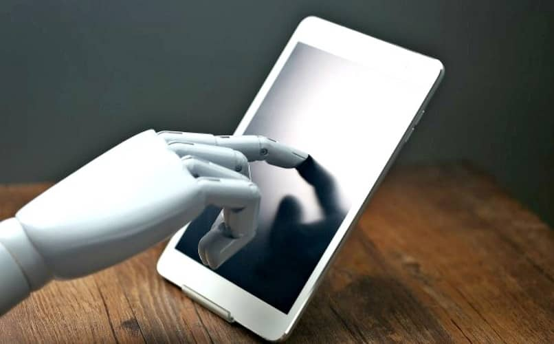 Robot hand using tablet