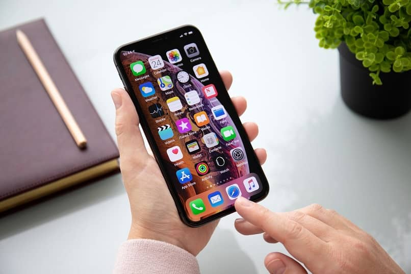 Why Does My Cell Phone Screen Have Black Spots Inside?  - Solution