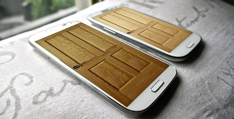 samsung smartphones with door screen