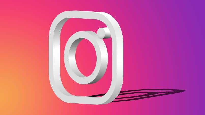 How to Customize Instagram Featured Stories Covers Easily