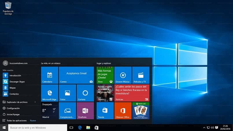 How to Customize the theme and Wallpaper of my Windows 10 PC? (Example)