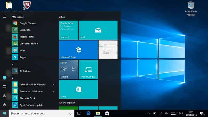 How to Hide or Make the Windows 10 Taskbar Disappear