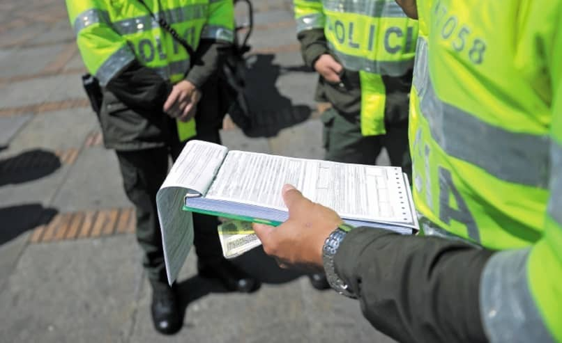 How to Pay and Check Traffic Fines online with the Identification Card and Plate