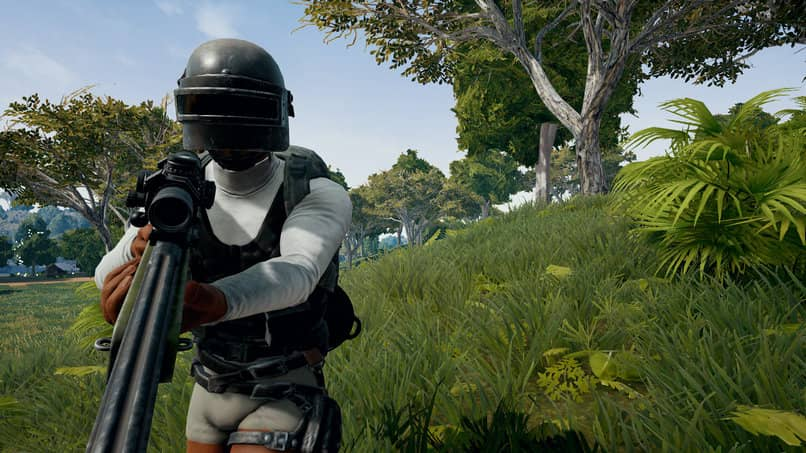 PUBG vs Fortnite Which is Better? Advantages and Disadvantages of each Game