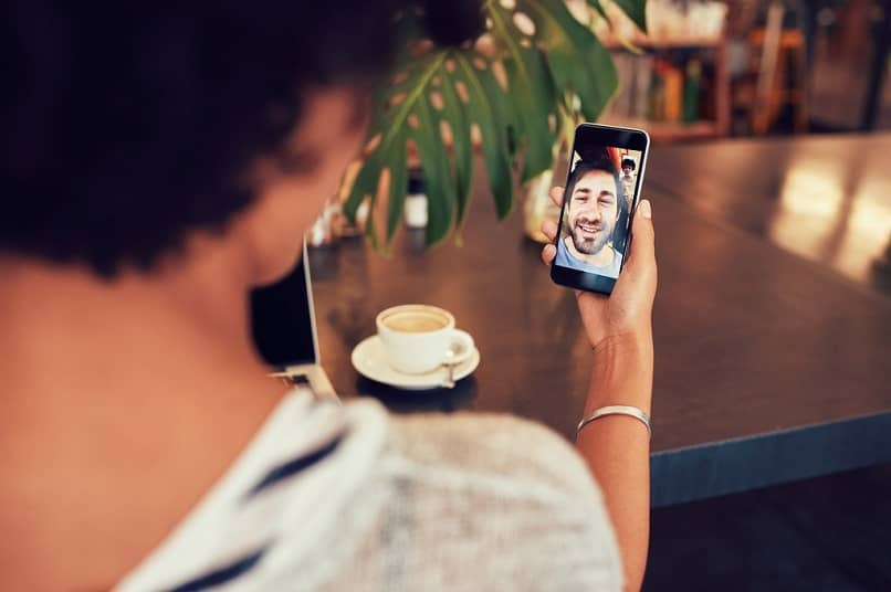 How I Can Change Or Modify My Voice In A Video Call For Skype?