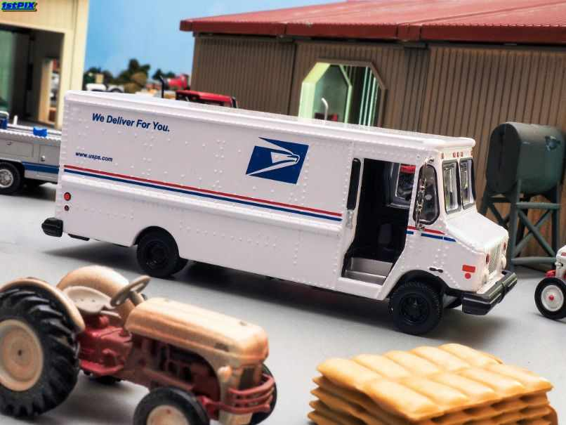 What Items Are Allowed to Ship Through the US Postal Service?