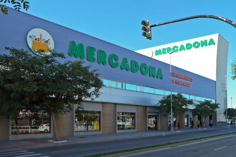 What is the largest and best-selling Mercadona in Spain?  What about Madrid, Barcelona and Valencia?