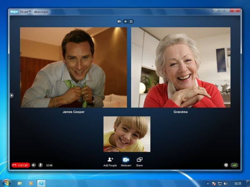 Hiding contacts and chats on Skype easily