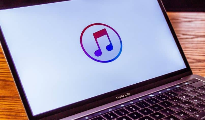 How To Upgrade The Ios Software My Iphone With Itunes From My Pc?