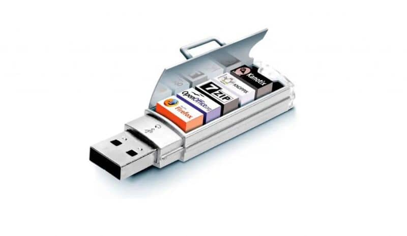 open flash drive with different programs within