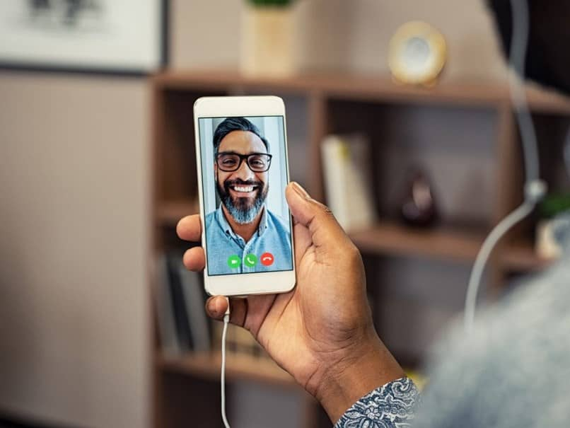 How To Make A Call Facetime?
