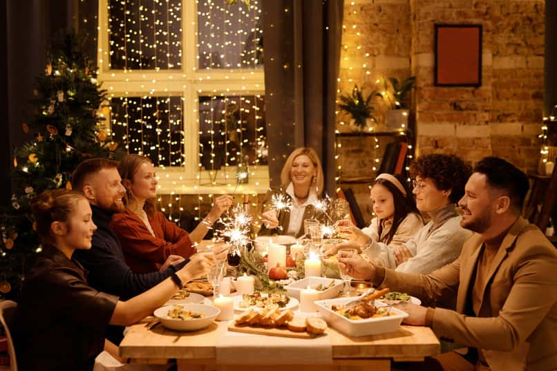 What are the Best Recipe Apps to Cook a Family Christmas Dinner?