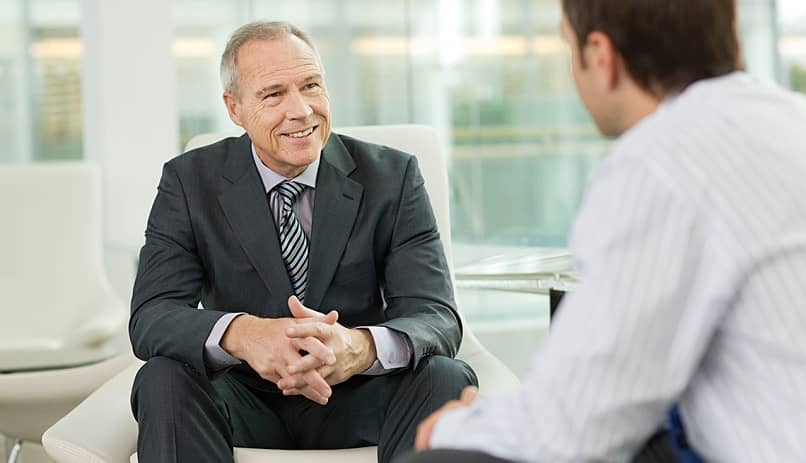 ceo company discuss problem with employee