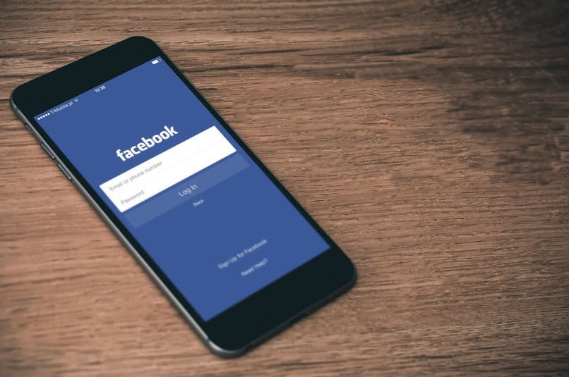 Facebook social network application on a phone