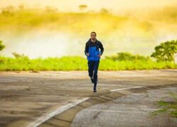 What are the best apps to measure distances covered when running without Internet?
