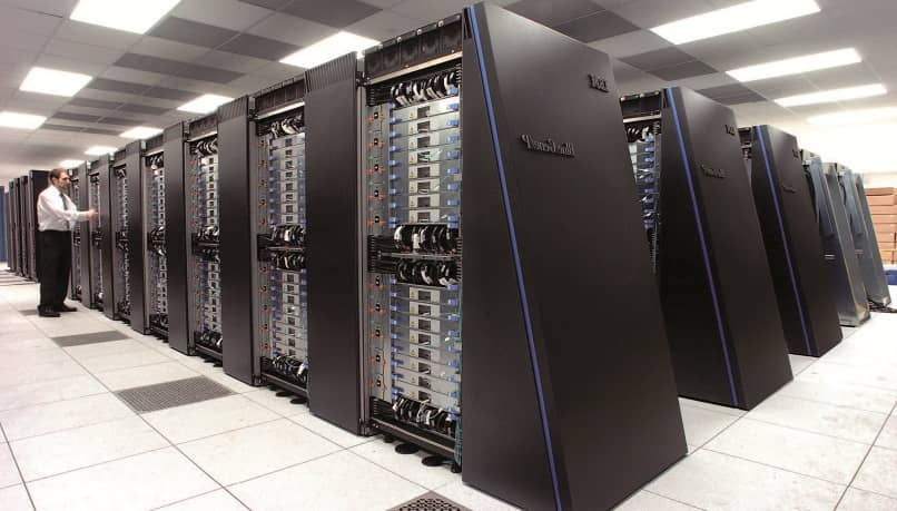 What is macrocomputers and what is it for?