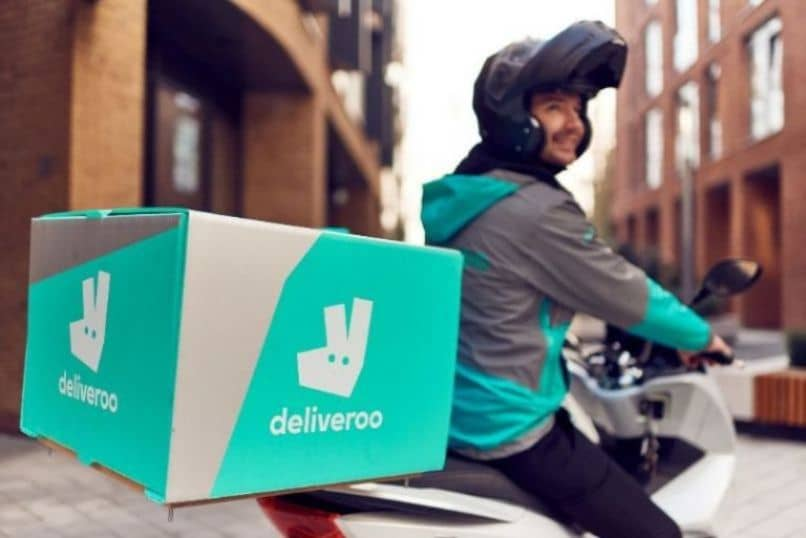 deliveroo free or payment