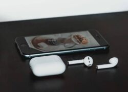 What are the Best Alternatives to AirPods for Listening to Music on iPhone or Android?  - Cheap price