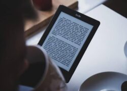 How to Install Different Wallpapers or Screensavers on my Amazon Kindle for Free (Example)