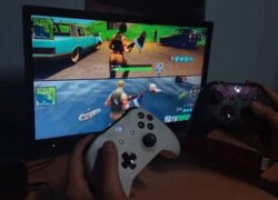 How to Play Split Screen in Fortnite - PC, PS4, Switch, Android, iOS and Xbox