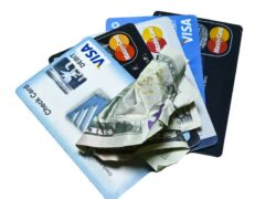 What is it, what is it for, the types and how does a credit or debit card work?