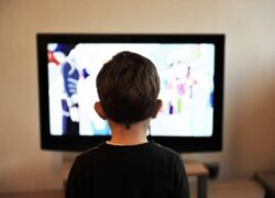 How to Watch TV Legally From My Android and iOS Mobile (Example)