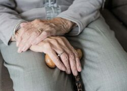 What are the formalities to be done in Social Security when a relative dies at home or in the hospital?