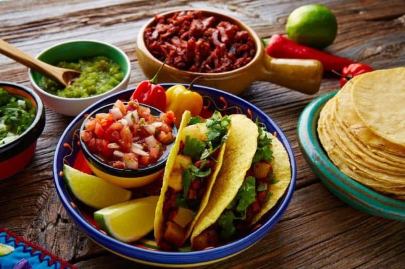combo mexican tacos