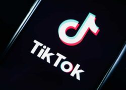 How to Get Out or Appear in the 'For You' Section on TikTok - Very Easy