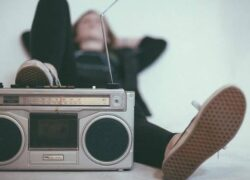 How to Tune Online Radio Stations in Linux with Cantata?  (Example)