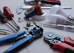 How to Repair or Fix the Charger of a Cell Phone or Mobile Step by Step