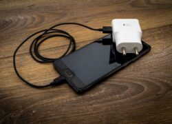 How do I know if my Android Cell Phone Charger is Fast Charging?
