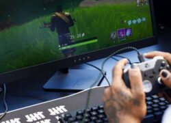 How to Redeem a Code in Fortnite on PC, PS4, Switch, Android, iOS and Xbox?  (Example)
