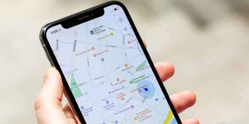 change voice of maps on iphone or android