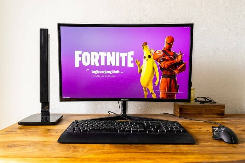Computer with Fortnite