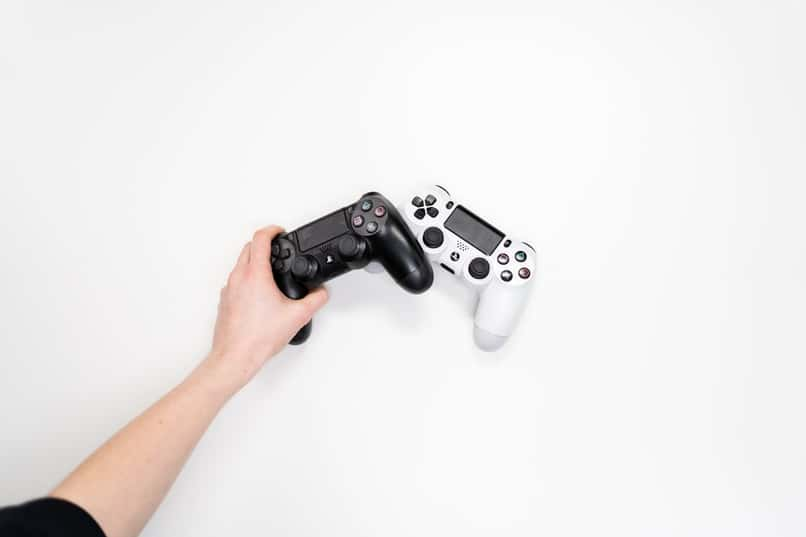 controllers to play ark