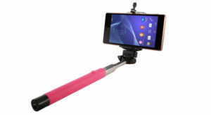 phone with selfie stick