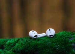 How to Configure and Customize AirPods Controls and Functions From Android or iPhone