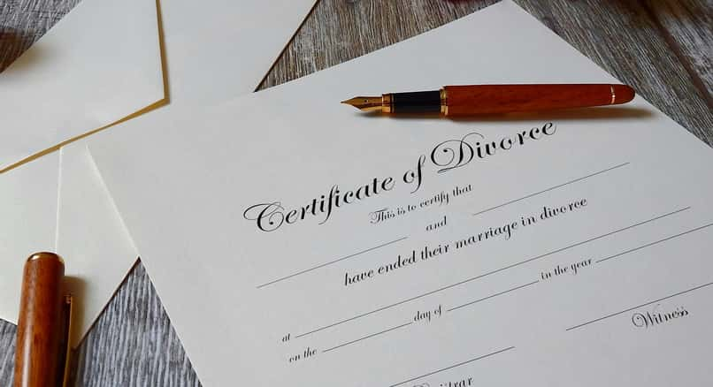 document to check a person's marital status of divorce
