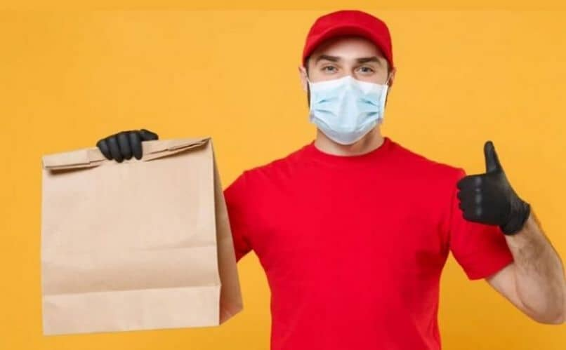 delivery man with mask and address